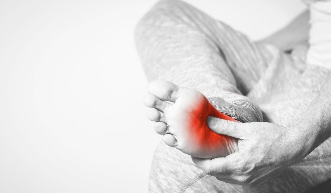 Tengo un fuerte dolor en el arco del pie ¿Qué puedo hacer?